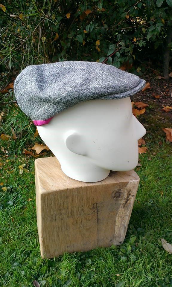Grey tweed flat cap with cerise trim