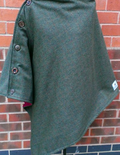 Ladies tweed and fleece lined poncho