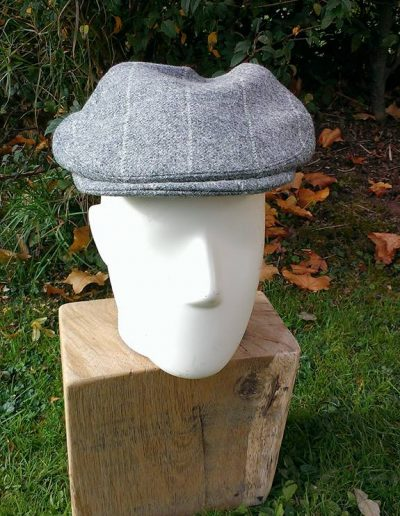 Grey tweed flat cap with cerise trim