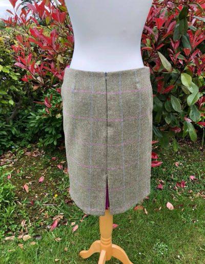 Check skirt back